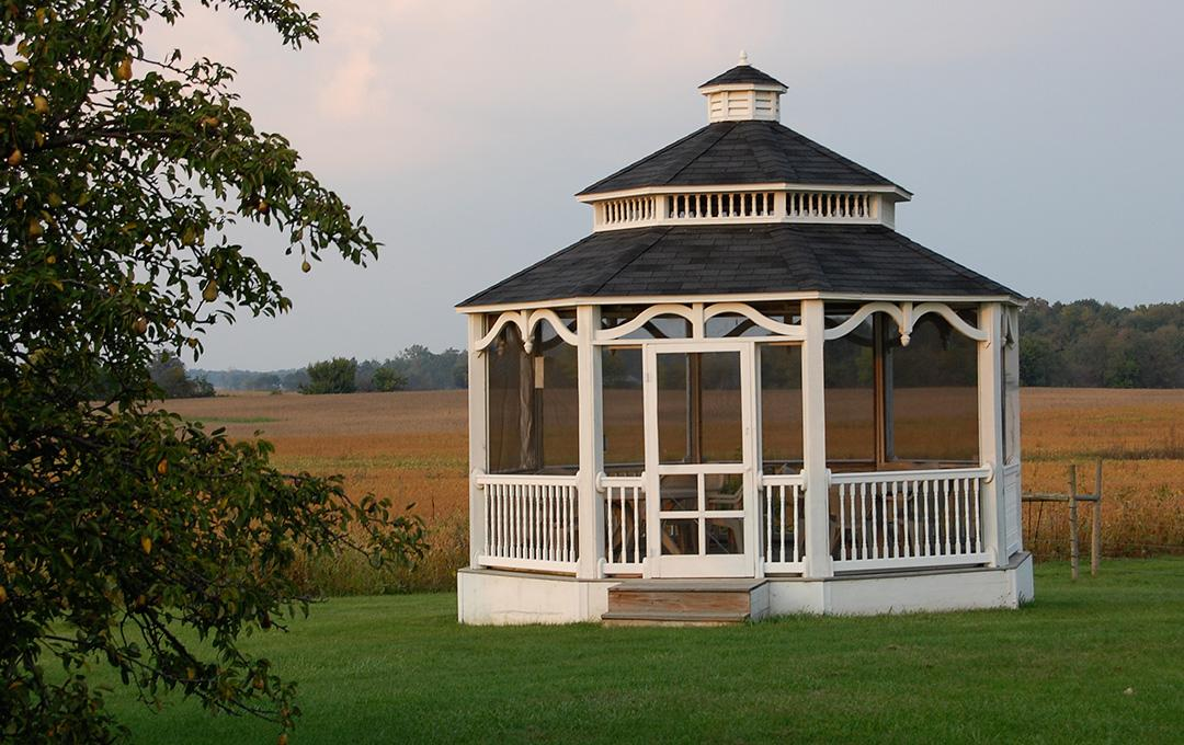 inn-at-windmere-gazebo